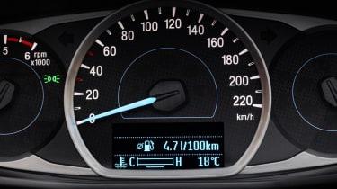 Ford Ka+ hatchback instrument cluster
