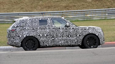 2022 Range Rover - side on view