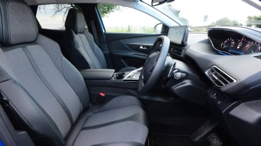 Peugeot 3008 SUV front seats