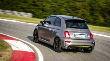 Abarth 595 Pista - dynamic rear 3/4