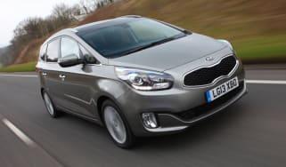 Kia Carens 2013 front tracking