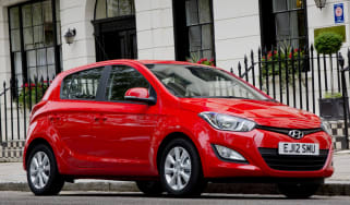 Hyundai i20 five-door 2013 front quarter