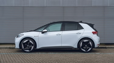 2021 Volkswagen ID.3 Tour pro - side on static