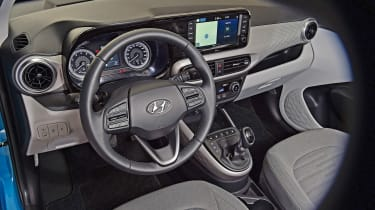 2020 Hyundai i10 interior - top view