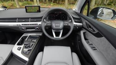 Audi Q7 e-tron - interior