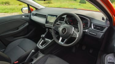 2019 Renault Clio - driver's view into cockpit