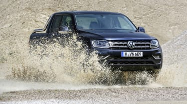 More expensive versions have permanent 4MOTION all-wheel drive