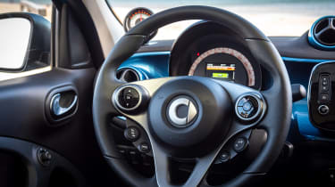 Smart EQ ForFour hatchback steering wheel
