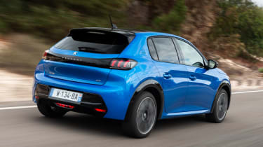 Peugeot e-208 hatchback rear 3/4 tracking