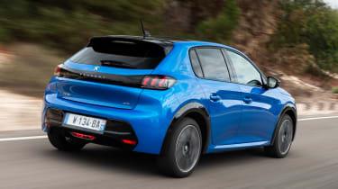 Peugeot e-208 hatchback rear 3/4 tracking