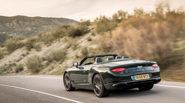 Bentley Continental GT Convertible tail tracking