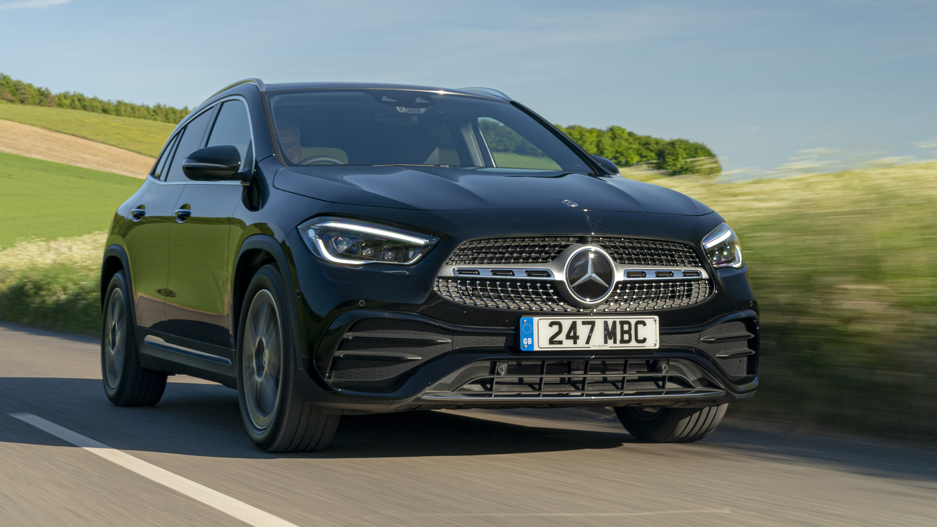 Mercedes Gla Suv Engines Drive Performance 2020 Review Carbuyer