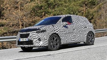 2020 Renault Captur hybrid - front quarter
