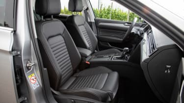 Volkswagen Passat Estate front seats