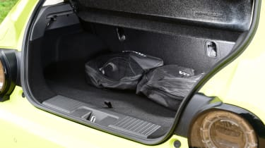 Honda e hatchback boot