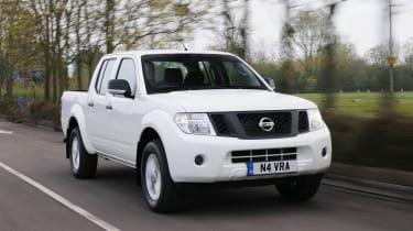 Nissan Navara front