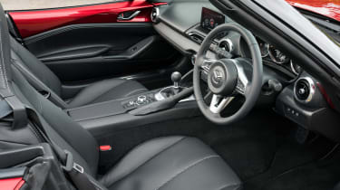 Mazda MX-5 Roadster front seats