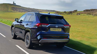 Toyota RAV4 Dynamic - rear 3/4 view passing