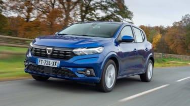 Dacia Sandero - front 3/4 dynamic