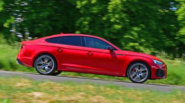 Audi S5 Sportback side panning