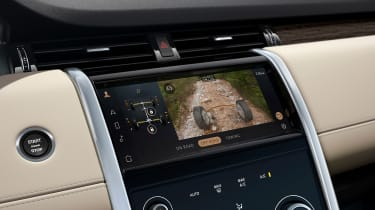2020 Land Rover Discovery Sport screen - ClearView Ground monitor