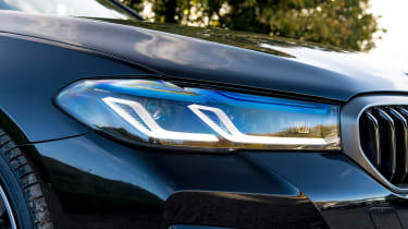 BMW 5 Series saloon headlights