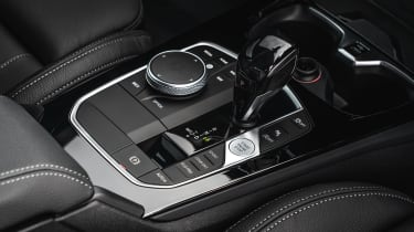 BMW M235i Gran Coupe saloon gearlever