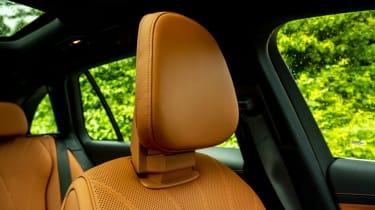 Mercedes C-Class Estate headrests