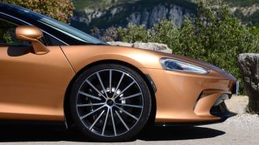 McLaren GT front view