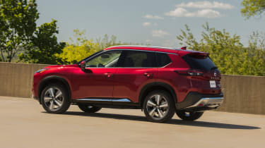 Nissan Rogue (X-Trail) side view