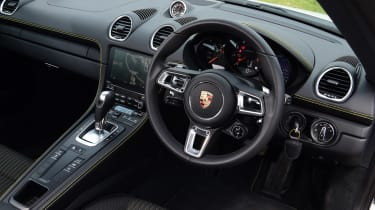 Porsche 718 Cayman coupe interior