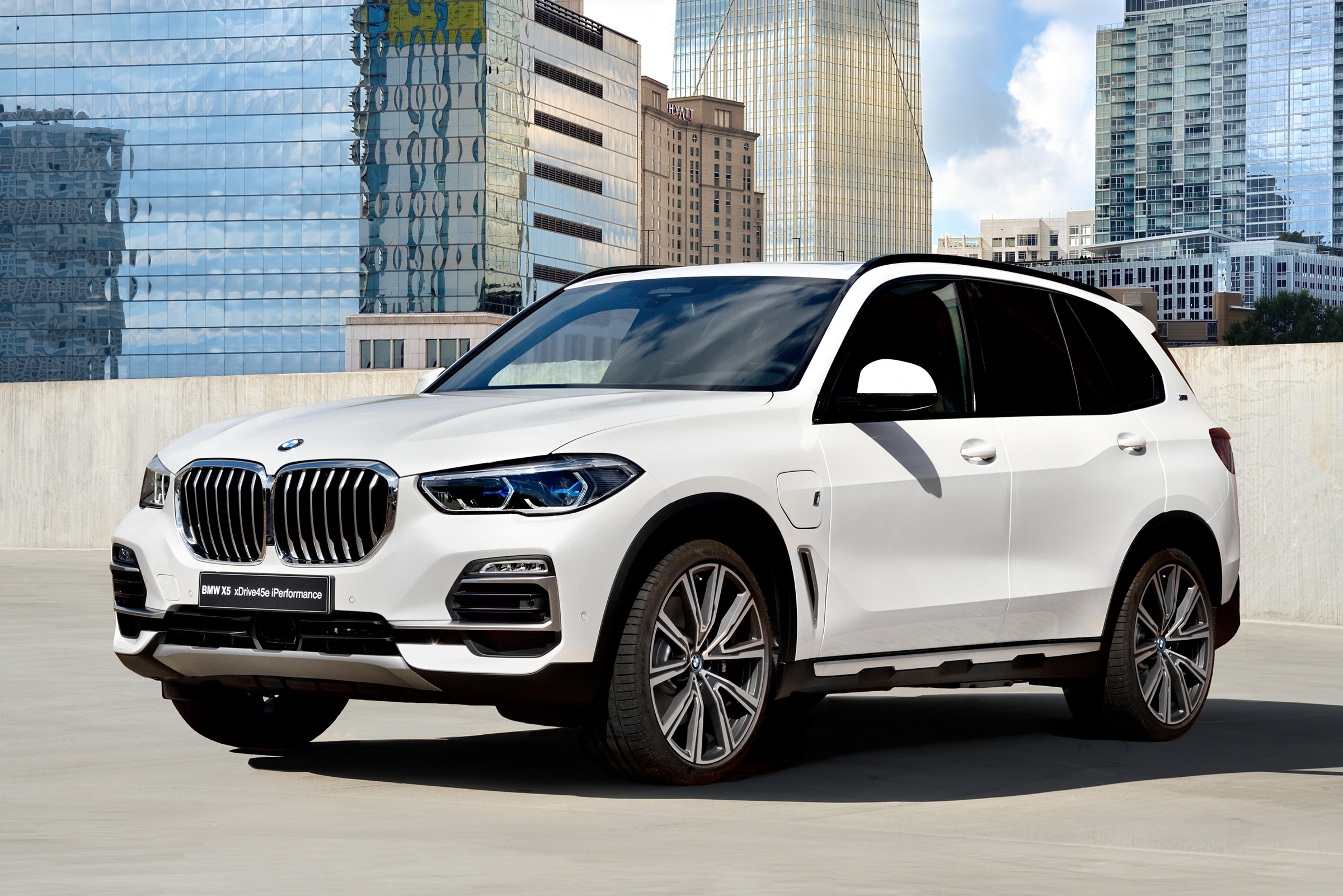 New Bmw X5 Xdrive 45e Plug In Hybrid 2019 Specs Price And On Sale Date Carbuyer