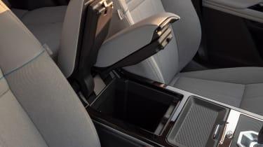 Range Rover Evoque 2019 storage 2