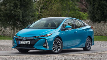 Complex technology doesn't come cheap though, so expect to pay around £30,000 for the Prius Plug-in