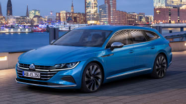 2020 Volkswagen Arteon Shooting Brake estate - front 3/4 view