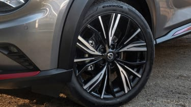 Nissan Juke SUV alloy wheels