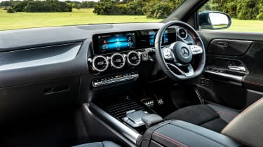 Mercedes GLA 250 e SUV interior