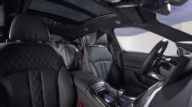2019 BMW X6 - front seats