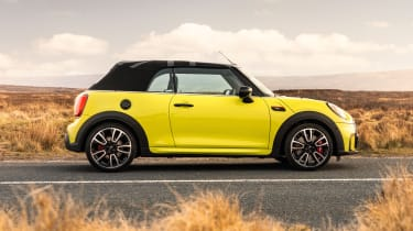 2021 MINI Convertible side view - roof up