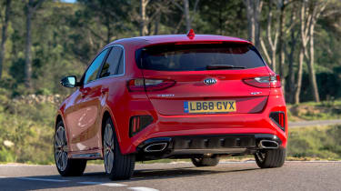 kia ceed gt rear cornering