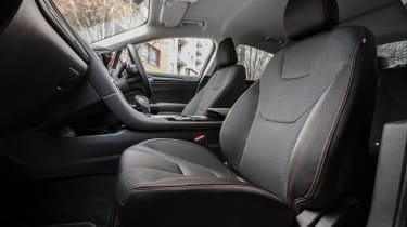 Ford Mondeo hatchback front seats