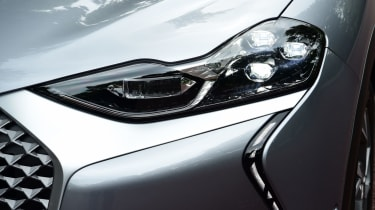 DS 3 Crossback E-Tense SUV headlights