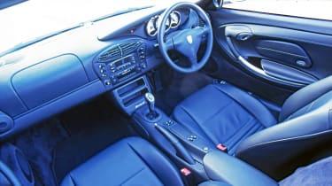 Porsche Boxster - interior 3/4 tracking
