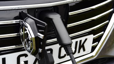 MG 5 EV estate charging cable