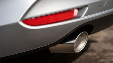 Mazda3 Fastback saloon tailpipes