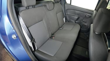 Safety is improved thanks to three rear headrests, while electric rear windows are an extra