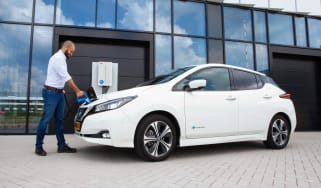 Nissan Leaf V2G charging