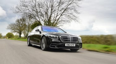 Mercedes S-Class saloon front 3/4 dynamic