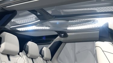 Land Rover Discovery SUV 2015 interior roof