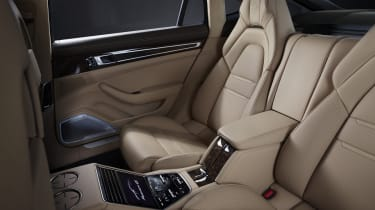 2020 Porsche Panamera 4S E-Hybrid seats